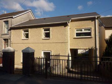 4 bed property to rent in Llwydarth Road, Cwmfelin, Maesteg CF34