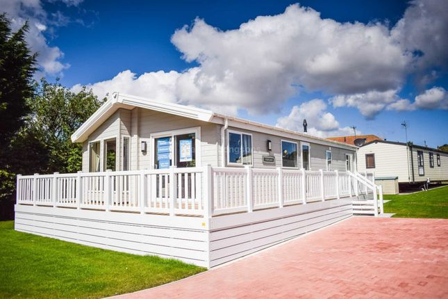 Thumbnail Lodge for sale in Lime Kiln Lane, Bridlington