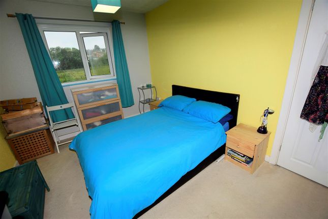 Bedroom 2 of Maple Close, Barry CF62