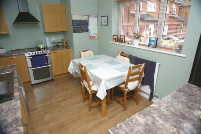 Thumbnail Property to rent in Troon Close, Bolton