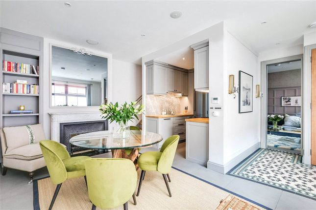 Thumbnail Mews house to rent in Old Manor Yard, London