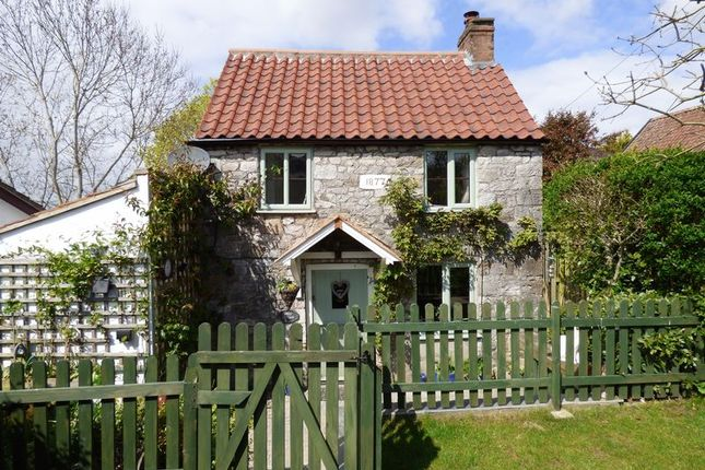 Thumbnail Cottage for sale in Eastfield Road, Hutton, Weston-Super-Mare