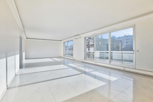 Thumbnail Apartment for sale in 92200, Neuilly Sur Seine, France