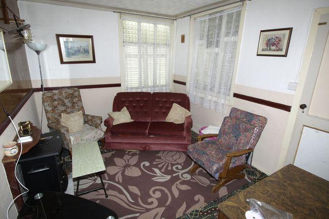 Lounge of Berrywell Bungalow, Kirkwood Bridge, Springvale S36