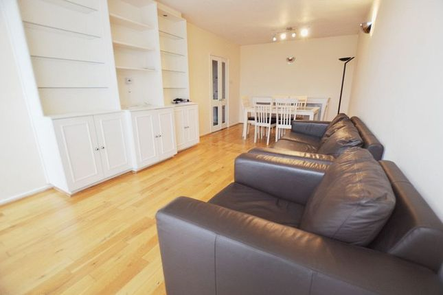 2 bed flat to rent in St. Johns Wood Park, London