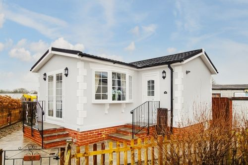 1 bed mobile/park home for sale in London Road, Dorchester
