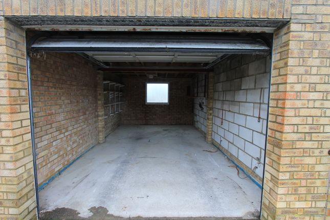 Parking/garage to rent in Bevendean Avenue Garage, Saltdean