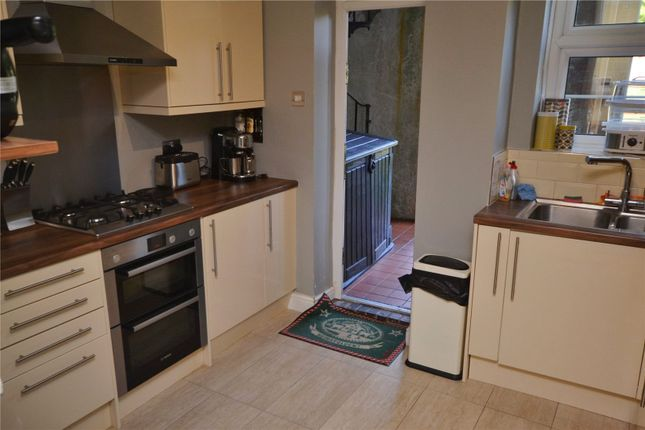 Flat to rent in Manor Court, Aylmer Road, London