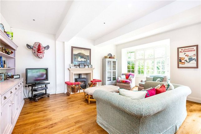 Thumbnail Property to rent in Ferry Road, Barnes, London
