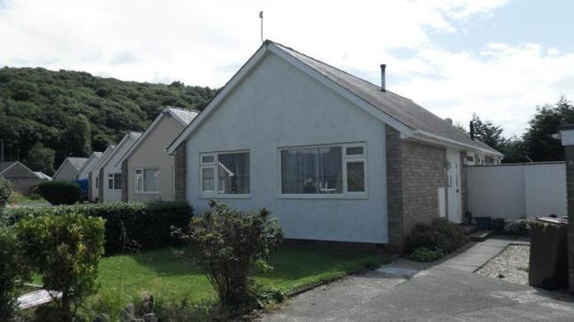 Thumbnail Bungalow for sale in Maes Trefor, Talsarnau, Gwynedd