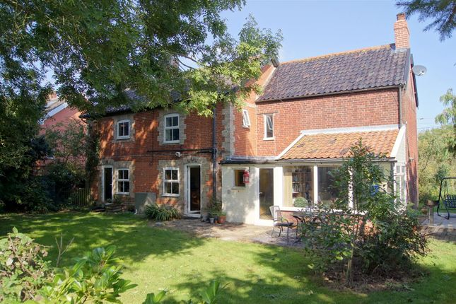 Thumbnail Detached house for sale in Bury Road, Hepworth, Diss