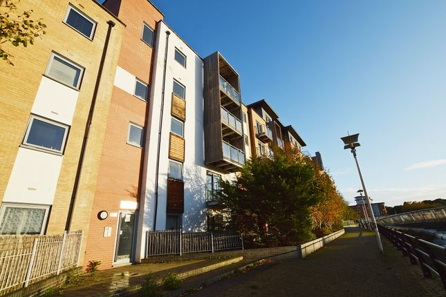 Thumbnail Flat for sale in Heia Wharf, Hawkins Road, Colchester