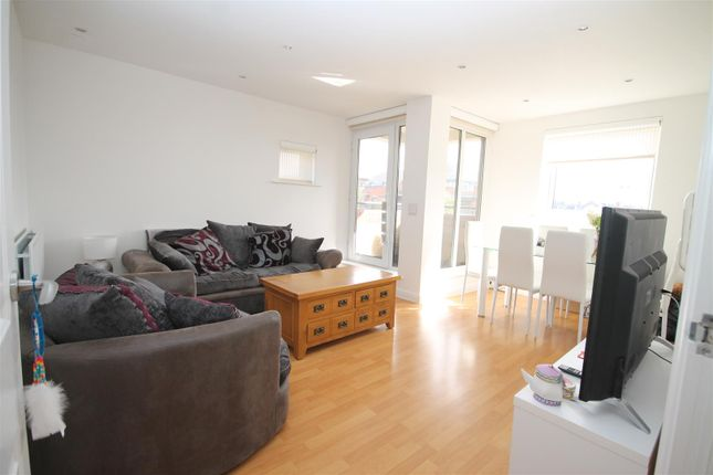 Thumbnail Flat to rent in Oxford Road, Aylesbury