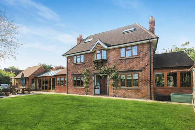 Thumbnail Detached house for sale in Priest End, Thame