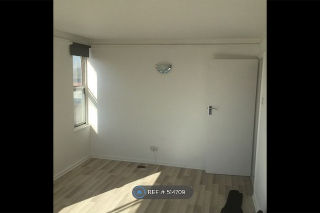 2 bed flat to rent in Elizabeth Wheeler House, Bromley BR1
