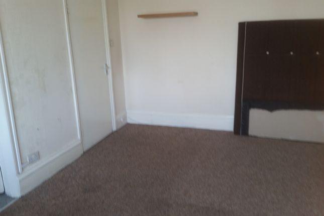 Thumbnail Studio to rent in Ilford Lane, Ilford