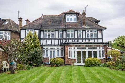 Thumbnail Detached house for sale in Northwick Circle, Kenton