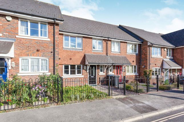 Thumbnail Terraced house to rent in Gordon Road, Haywards Heath