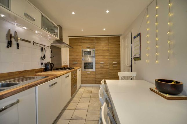 Thumbnail Town house for sale in Andrew Avenue, Braehead, Renfrew