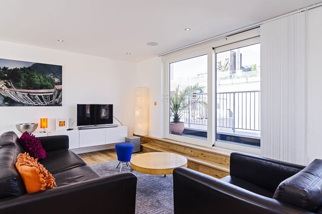 Thumbnail Flat to rent in Redchurch Street, London