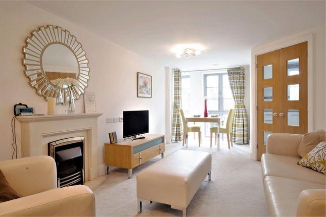 1 bed flat for sale in Kingston Road, London SW20