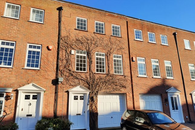 Thumbnail Town house to rent in Malvern Road, Southsea