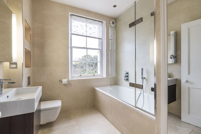 Thumbnail Terraced house to rent in Cannon Street Road, London