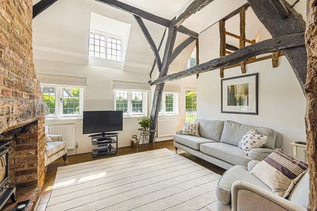 Living Area of Checkendon, South Oxfordshire RG8
