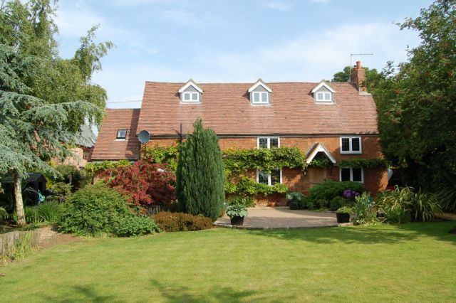 Thumbnail Cottage for sale in Watling Street, Near Brockhall, Daventry