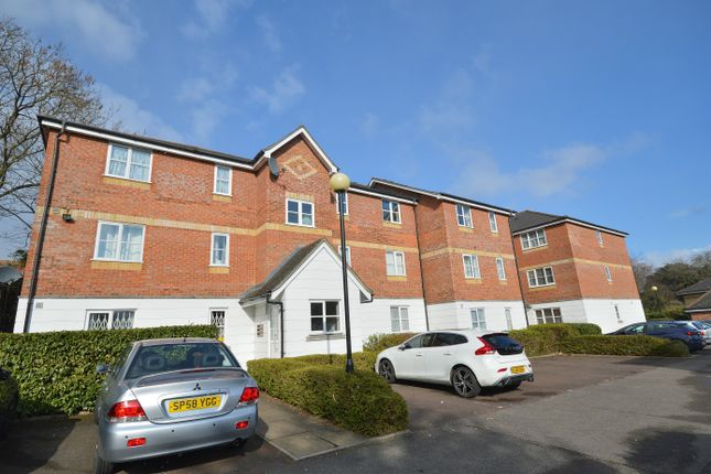 Thumbnail Flat for sale in Leigh Hunt Drive, Southgate