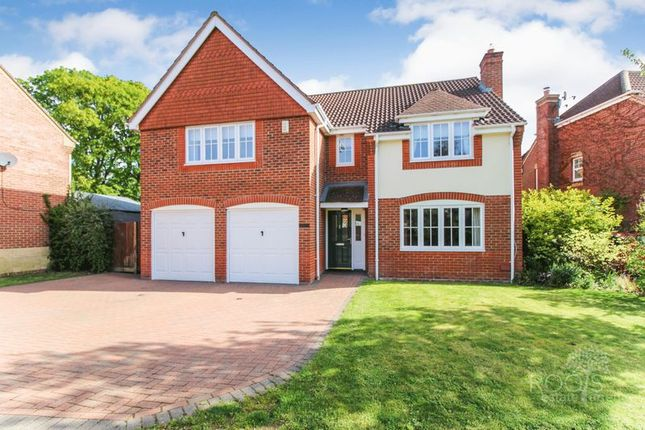 Thumbnail Detached house for sale in Water Lane, Greenham, Thatcham
