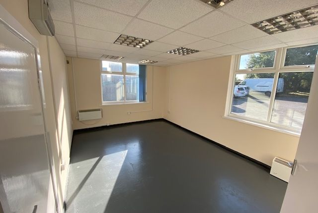 Thumbnail Office to let in Rother Crescent, Rotherham