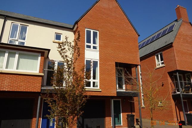 Thumbnail Town house to rent in Tanyard Way, Yeovil