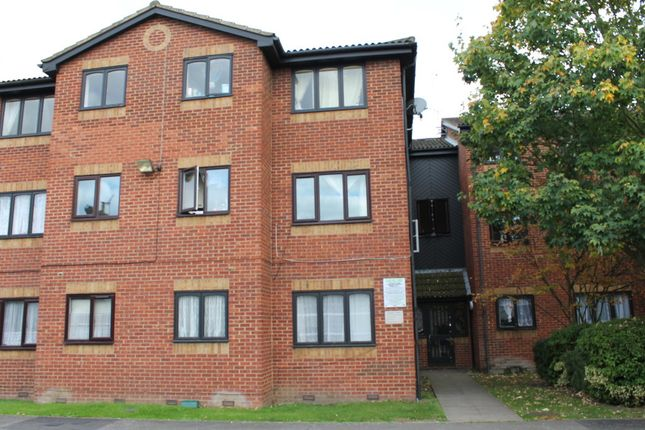 Thumbnail Flat for sale in Tramway Avenue, London
