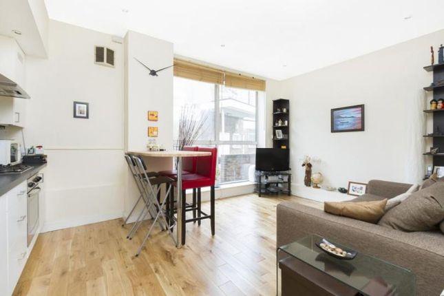 Thumbnail Flat to rent in Gilbert Road, London