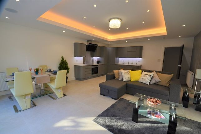 3 bed flat for sale in Langley Park, London