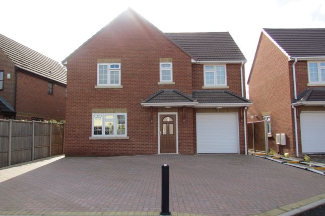 Thumbnail Detached house for sale in Clyde Close, Slough