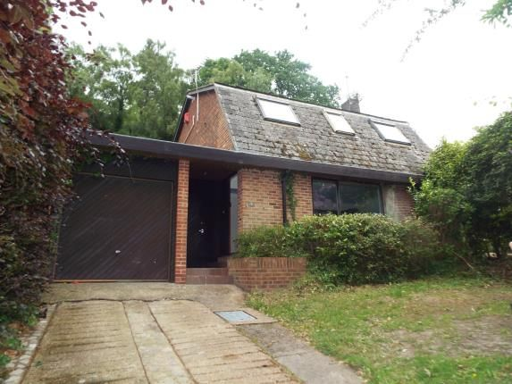 Thumbnail Detached house for sale in The Parkway, Southampton