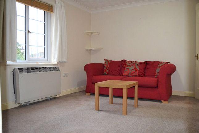 Picture No. 04 of Mill Lane, Newbury, Berkshire RG14