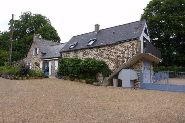 5 bed property for sale in Pays De La Loire, Mayenne, Gorron