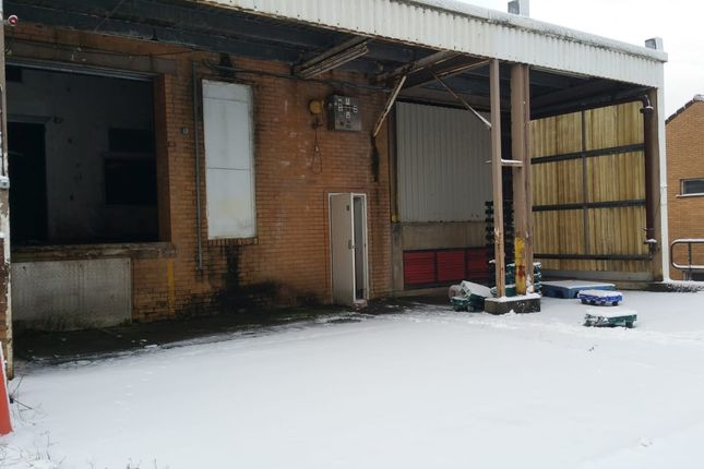 Thumbnail Warehouse to let in Wern Trading Estate, Newport