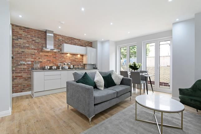 Thumbnail Commercial property for sale in Tessa Apartments, Flat 1, 117 East Dulwich Grove, London