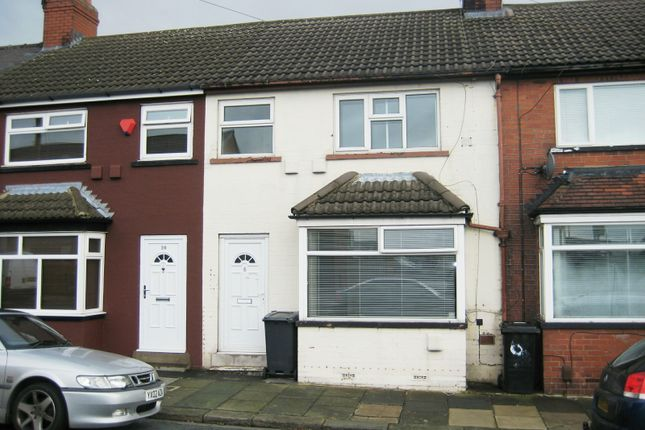 Thumbnail Town house to rent in Southend Grove, Bramley, Leeds