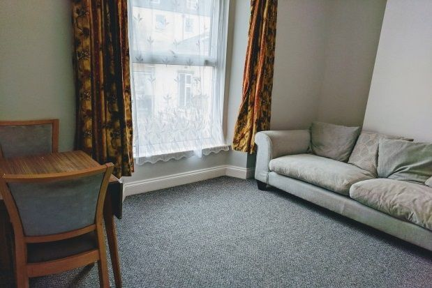 Thumbnail Maisonette to rent in Moor View Terrace, Mutley, Plymouth