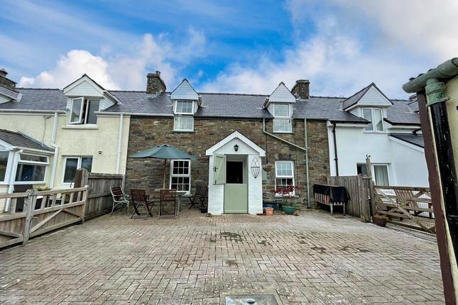 2 bed terraced house for sale in Beag Cottages, Llandissilio, Clynderwen SA66