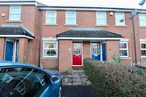 2 bed property to rent in Villiers Close, Leagrave, Luton