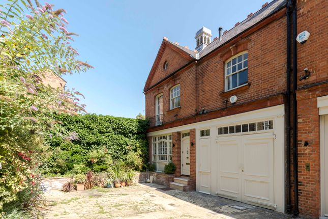 Thumbnail Mews house to rent in Clover Mews, London