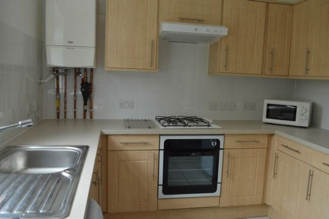 Thumbnail Maisonette to rent in Whitworth Road, London