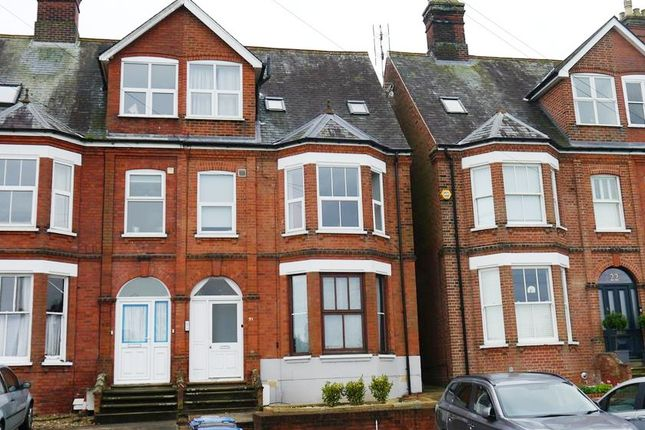 2 bed flat to rent in Gippeswyk Avenue, Ipswich, Suffolk IP2