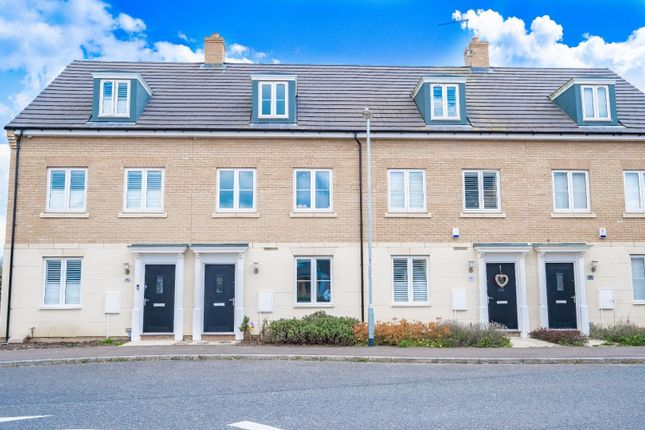 3 bed town house for sale in Tanton Road, Flitch Green, Dunmow CM6